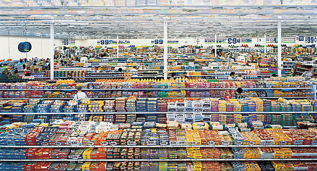 Andreas Gursky: 99 cents / 1999